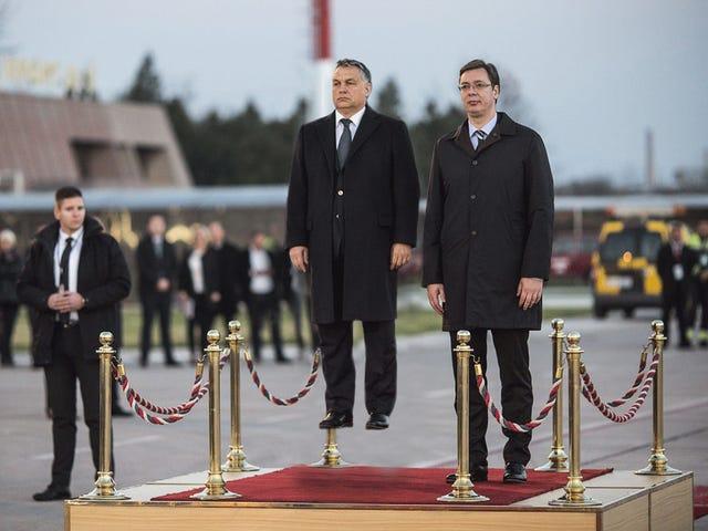 Orbán Viktor körbeudvarolta a szerbeket