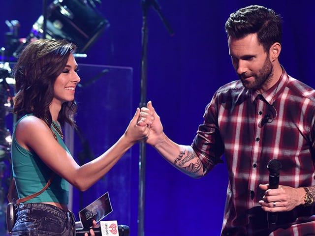 Adam Levine maksaa Slain <i>Voice</i> Contestantin hautajaisten Christina Grimmie