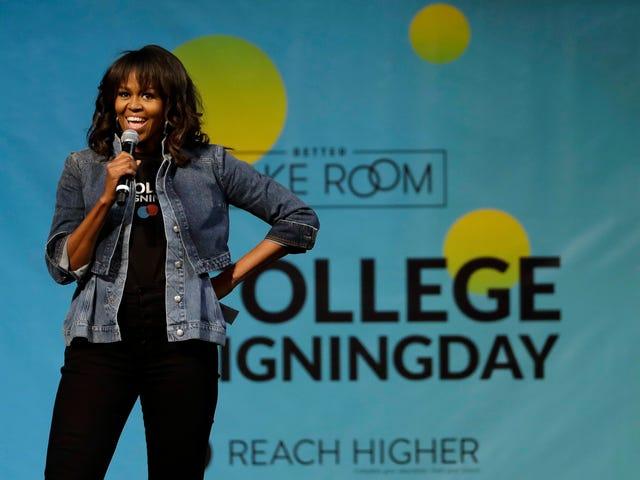 Michelle Obama presenterar textmeddelandekampanj som gör det enklare att registrera sig för att rösta