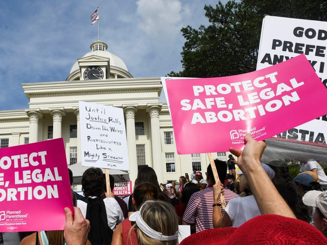 Judge Blocks Alabama's Coronavirus Abortion Ban