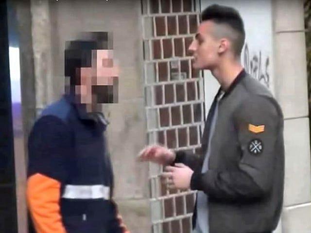 """Multan con 30 euro al repartidor que pegó a un youtuber por llamarle """"caranchoa"""""""