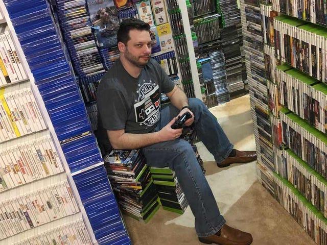 En la casa de hombre hay tantos videojuegos que necesitarías varias vidas para terminarlos