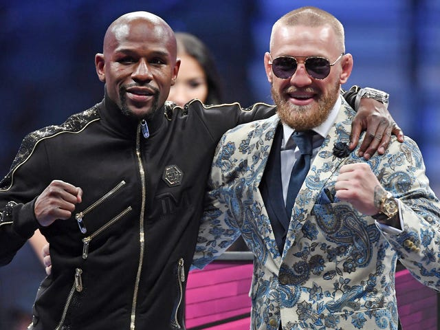 Dana White Is Boasting About Signing Floyd Mayweather To A UFC Contract
