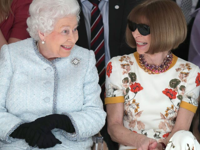 Frankly Speaking, the Queen Doesn't Give a Fuck About Repeating Outfits