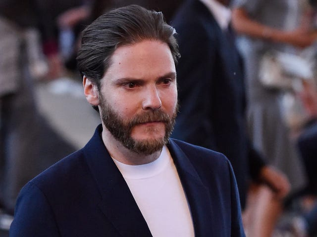 Daniel Brühl's Zemo seems to be getting his old ski mask for The Falcon And The Winter Soldier