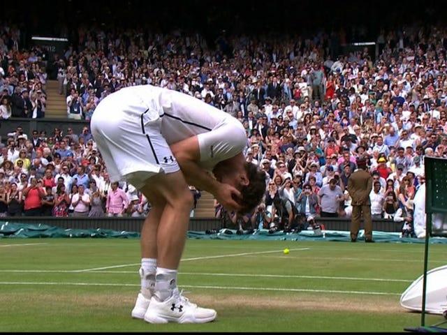 Andy Murray đánh bại Milos Raonic trong bộ thẳng để yêu cầu danh hiệu Wimbledon thứ hai