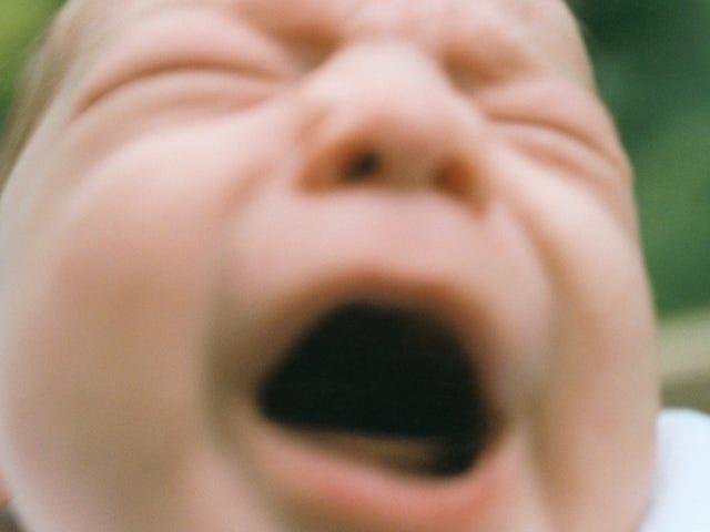 Pakai Perlindungan Telinga Apabila Menenangkan Bayi Menjerit Anda