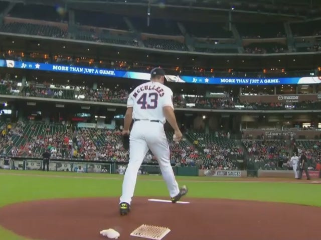 Astros Pitcher Is Wearing Batman Cleats For His MLB Debut