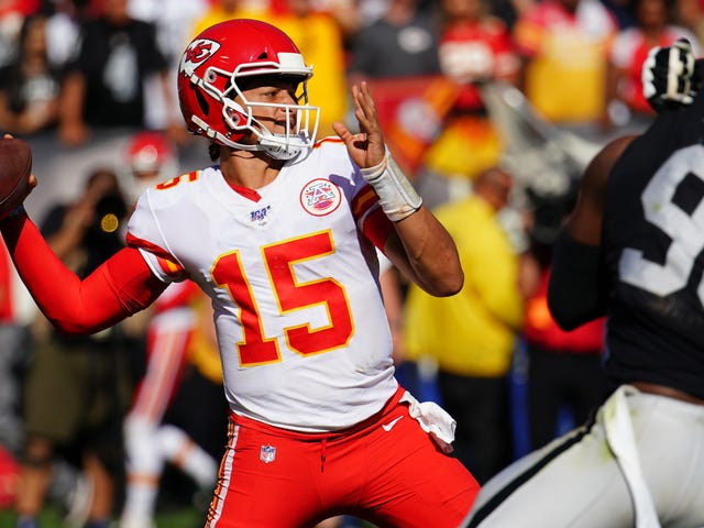 Patrick Mahomes Only Needed 15 Minutes To Melt The Raiders