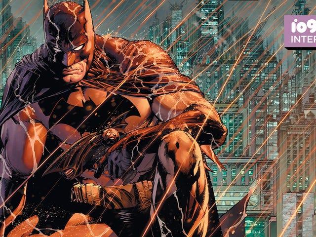 Scribe mới nhất của Batman về kể chuyện mới với một trong những anh hùng lâu đời nhất của DC