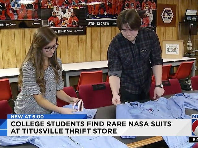 Thrift Store Shopper Kaufen Sie $ 20,000 Worth of Vintage NASA Flight Suits für $ 1.20