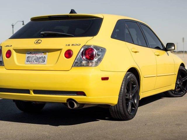 É amarelo