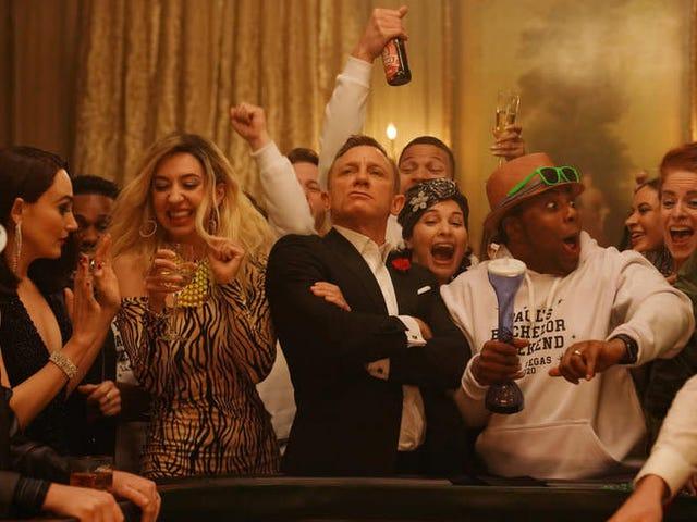 On SNL, Daniel Craig's retiring Bond finally loosens up with some craps