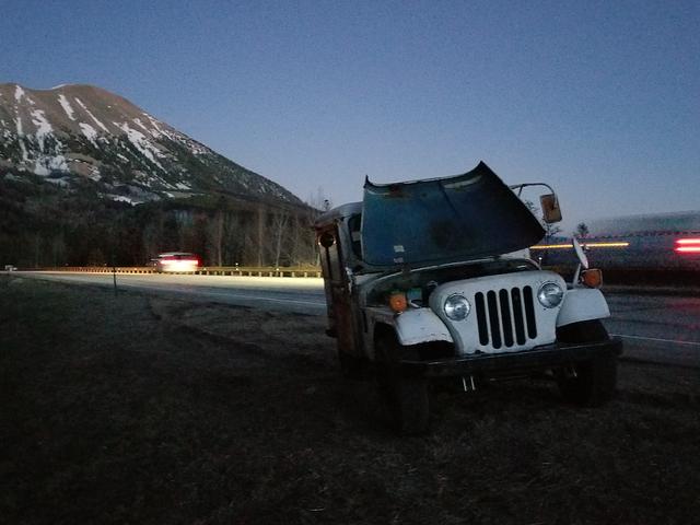 कैसे मैंने अपना $ 500 डाक जीप तय किया, इसके बाद वामपंथी मुझे पथरीले पहाड़ों में फंसे हुए थे