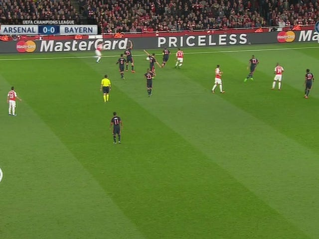 É por isso que Manuel Neuer é o melhor goleiro do planeta