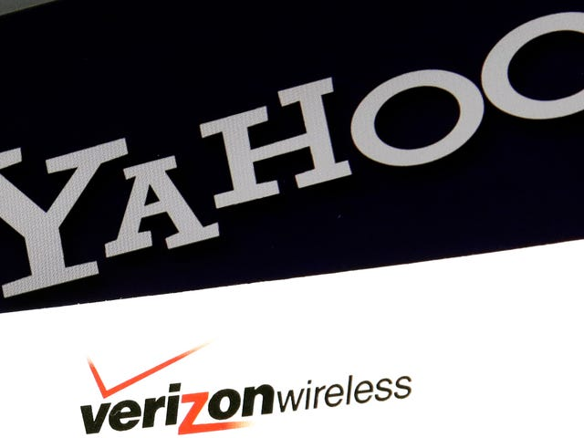 Verizon Probably Really Regrets Buying Yahoo and AOL