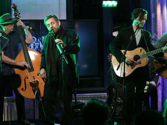Au moins trois clients payants ont été expulsés des récents concerts de James Dolan