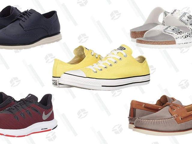 "<a href=https://kinjadeals.theinventory.com/zappos-memorial-day-sale-features-over-70-000-deals-on-1835003029&xid=17259,15700021,15700043,15700186,15700190,15700256,15700259 data-id="""" onclick=""window.ga('send', 'event', 'Permalink page click', 'Permalink page click - post header', 'standard');"">Запас ""День пам'яті продажу Особливості більше 70,000 угод на взуття з Nike, Коул Хаан, Ugg, і багато іншого</a>"