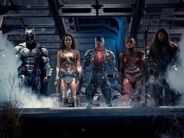 """La versión """"originale"""" de <i>Justice League</i> que internet pide que mare publicada no existe"""