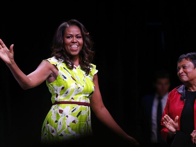 Во время Black Girls Rock у Мишель Обамы было специальное послание чернокожим женщинам
