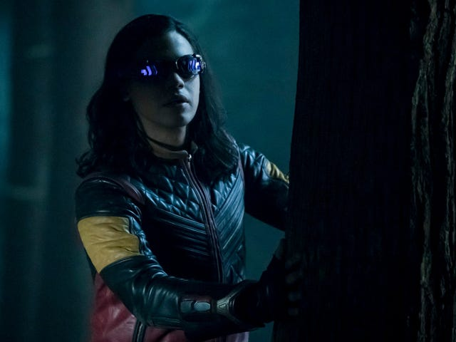 The Flashhad better not touch even one single hair on Cisco Ramon's perfect head