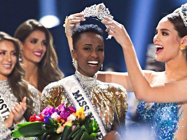 Black Girl Magic vinner igjen!  Sør-Afrikas Zozibini Tunzi Is Miss Universe 2019