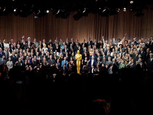 L'UCLA ha appena abbandonato il rapporto sulla diversità di Hollywood del 2020 e ... è pesante sulla maionese