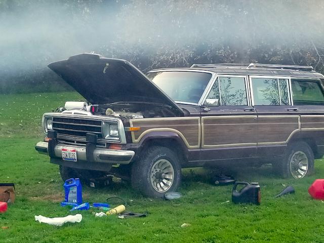 Cómo obtuve mi Jeep Grand Wagoneer gratis corriendo después de que se sentó durante una década