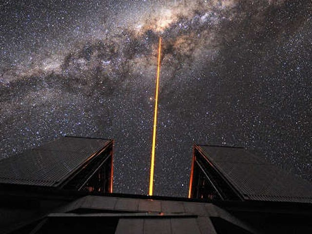 How aliens could use lasers for both communication and cloaking