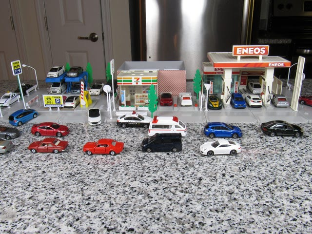 Tomica Town Tuesday