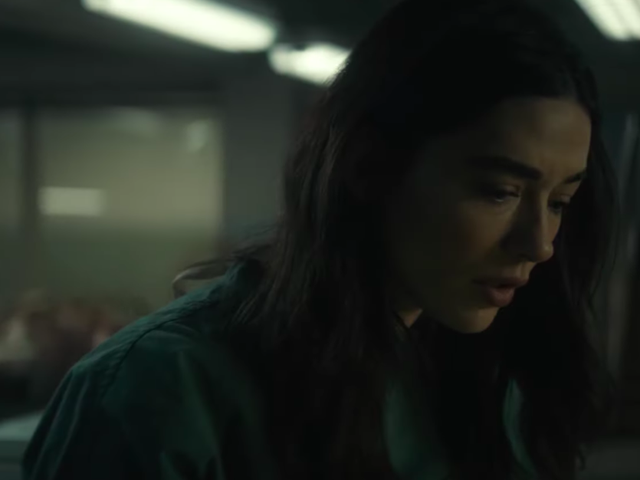 """<a href=https://news.avclub.com/first-trailer-for-dcs-swamp-thing-series-is-very-liter-1834273807&xid=17259,15700022,15700186,15700191,15700256,15700259,15700262 data-id="""""""" onclick=""""window.ga('send', 'event', 'Permalink page click', 'Permalink page click - post header', 'standard');"""">Første trailer til DC&#39;s <i>Swamp Thing</i> serie er meget, bogstaveligt mørk</a>"""