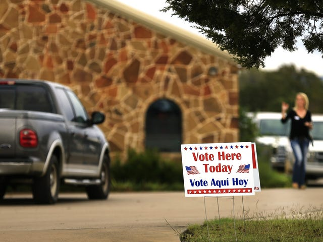 US Appeals Court Says Racist Texas Voter-ID Laws Can Stand