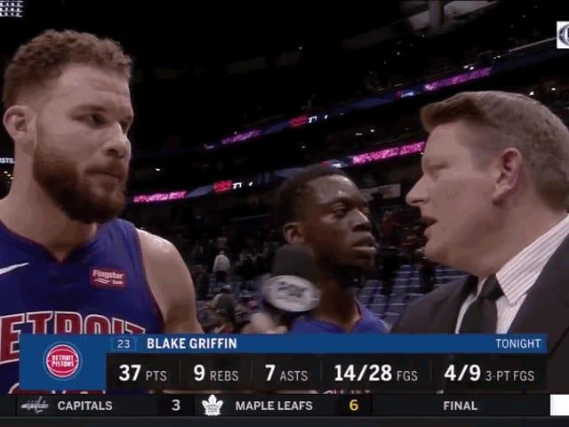 Blake Griffin thông báo về sự tập trung của Pistons, ngay trước khi Reggie Jackson quay cuồng vì máy ảnh