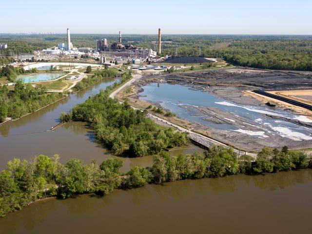 Hampir Semua Tumbuhan Arang AS Adakah Mencemarkan Air Tanah, Cari Laporan