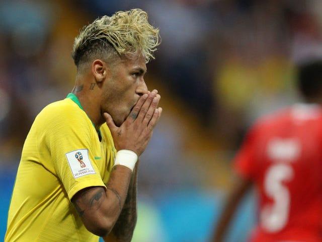 Il Brasile continua la tendenza dei favoriti di underperforming, disegnare con la Svizzera