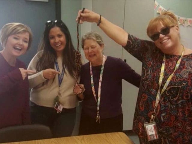 Picture of Smiling Teachers Holding Noose Lands All Four on Paid Leave Alongside Principal