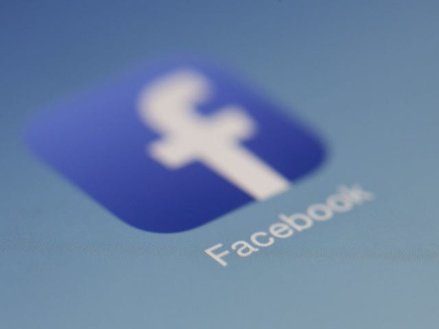 Don't Fall For the Latest Facebook 'Hacking' Hoax