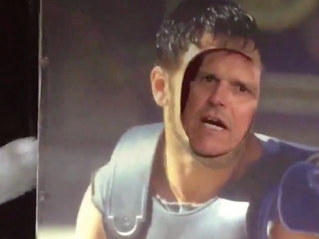 Jim Harbaugh leverer <i>Gladiator</i> i sin spesielle stil