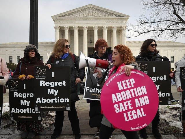 Ohio's Anti-Abortion Heartbeat Bill One Step Closer to Becoming Law