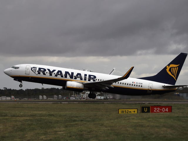 Ryanair scrambles for at løse sin dronket passagerproblem