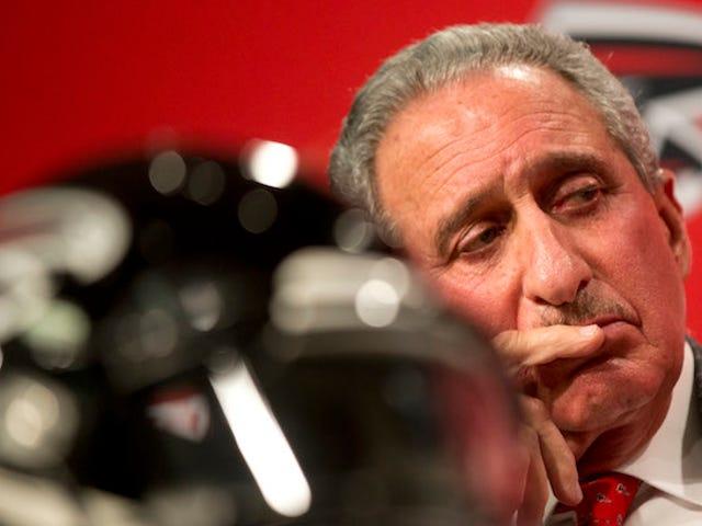 Falcons Get Fined, Lose Pick, Fire Guy Navngivet Roddy White Over Falsk Støj