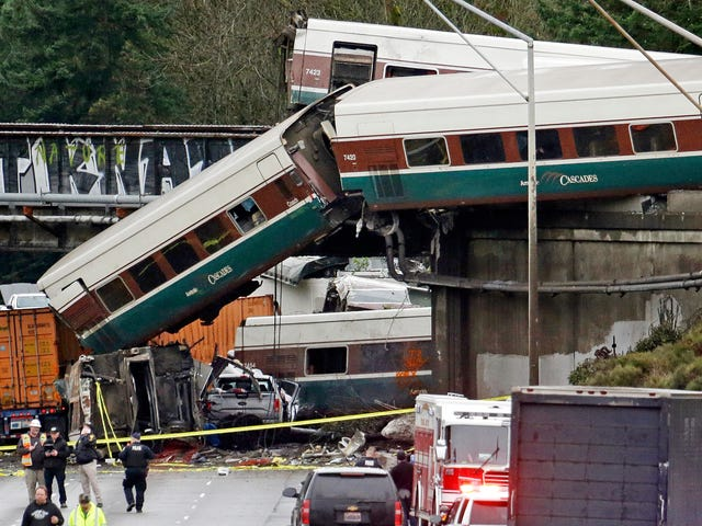 What Causes Amtrak Trains To Derail