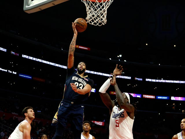 One Extremely Pretty Bucket From Anthony Davis's 46-Point Game