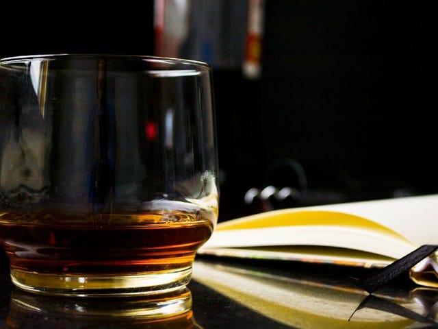 鼻子威士忌就像一个专家使用这个专家技巧