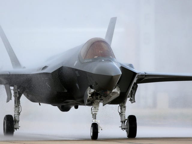 The Pentagon's New List of F-35 Bugs Is Predictably Awful