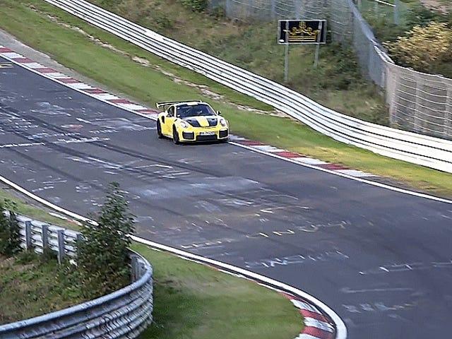 포르셰 911의 GT2 RS는 Sub-7 Minute Laps와 함께 urburgring하는 것의 새로운 왕일지도 모른다