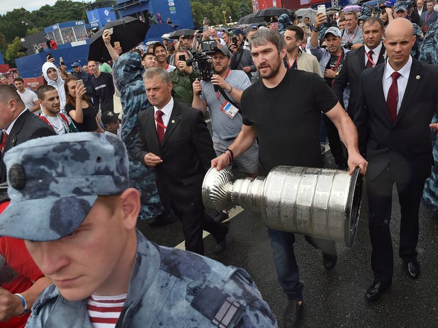 "Alex Ovechkin Really, Really Loves The Song ""My Neck, My Back"""