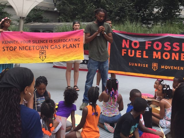Young People Are Convincing Politicians to Stop Taking Fossil Fuel Money