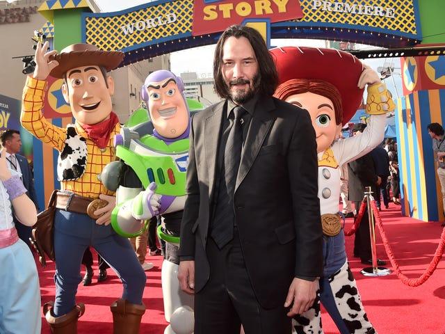 Aquí está Keanu Reeves como 9 príncipes de Disney diferentes para tu lunes