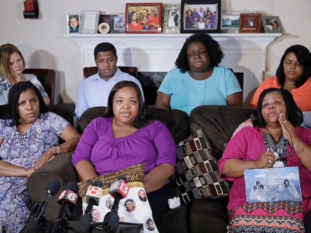 Woman Who Lost 9 Family Members in Duck Boat Crash Demands They Be Redesigned in New Lawsuit: 'These Boats Can Never Kill Again'